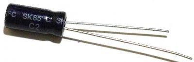 Elko 10µF, Min. 16V, stehend
