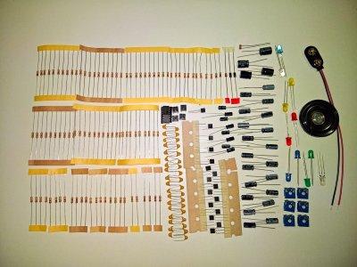 Bauteileset mit elektronischen Grundelementen