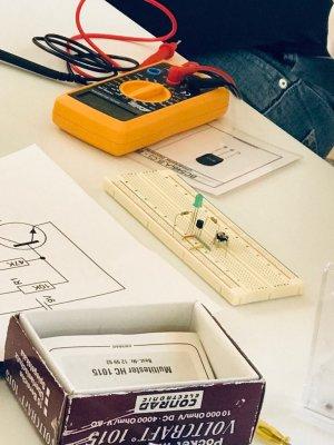 DESlive - Nachhilfe Elektronik, Physik und andere